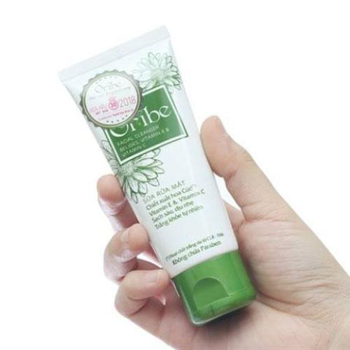 Tuýp Sữa rửa mặt Oribe Facial Cleanser Bluedes & Vitamin E