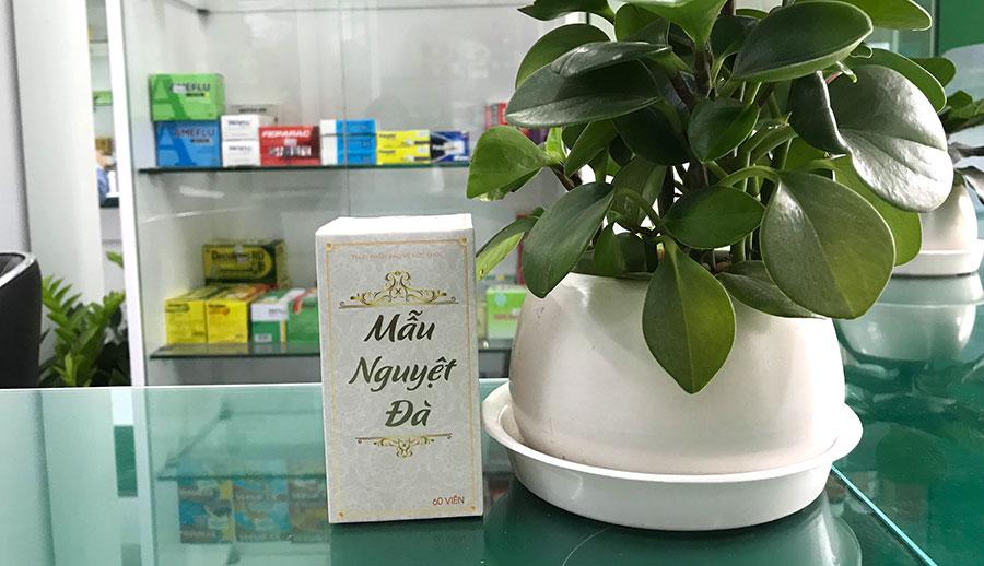 Hình chụp sản phẩm Mẫu Nguyệt Đà tại nhà thuốc Thân Thiện!